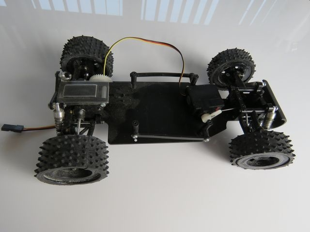 1:18 Buggy Chassis Aufgebaut inkl. HiTec HS81 MG