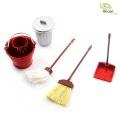 1:10/1:14 Reinigungs-Set mit Besen und Metalleimer